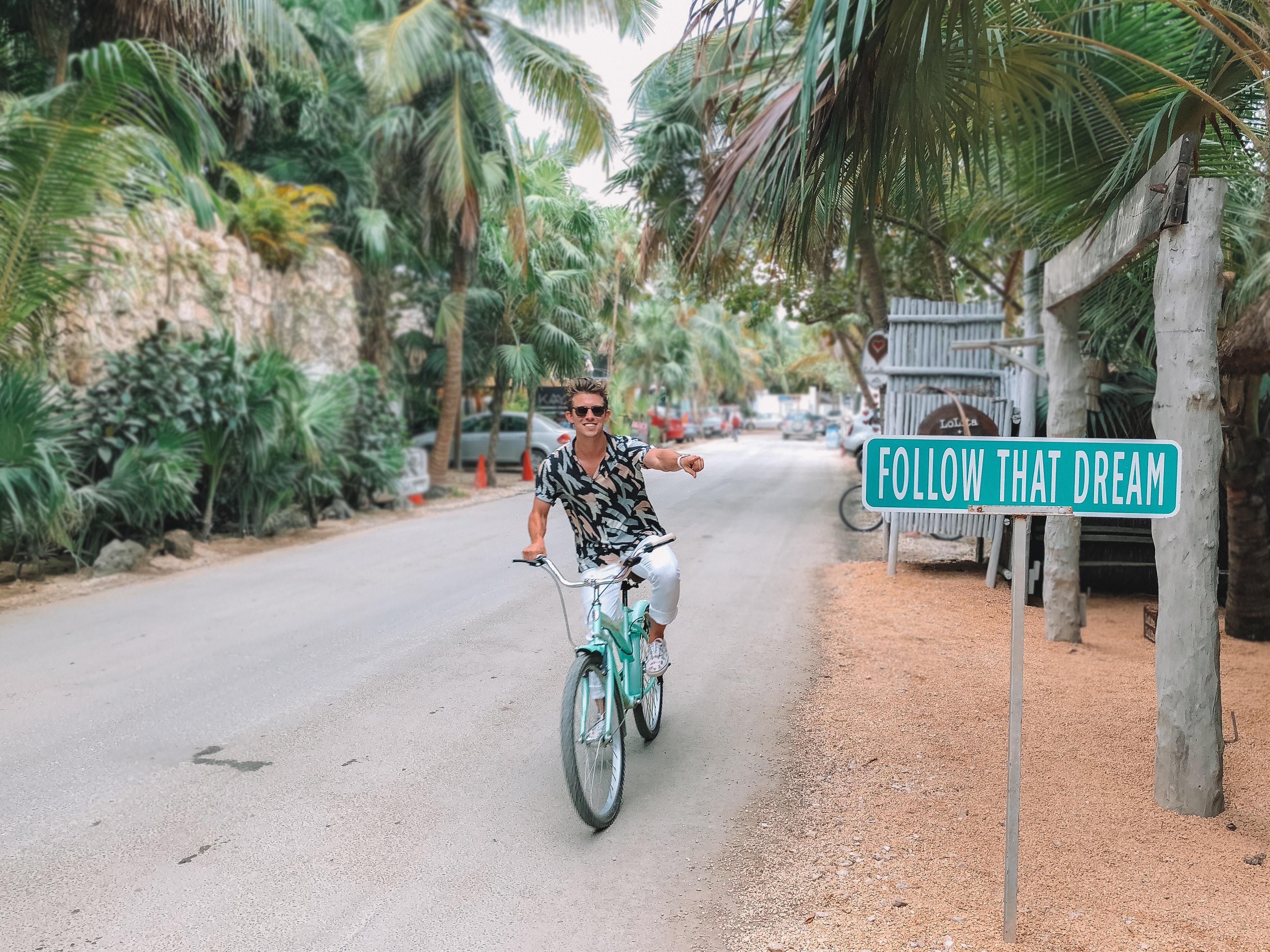 Jak prowadzić firmę będąc w podróży
